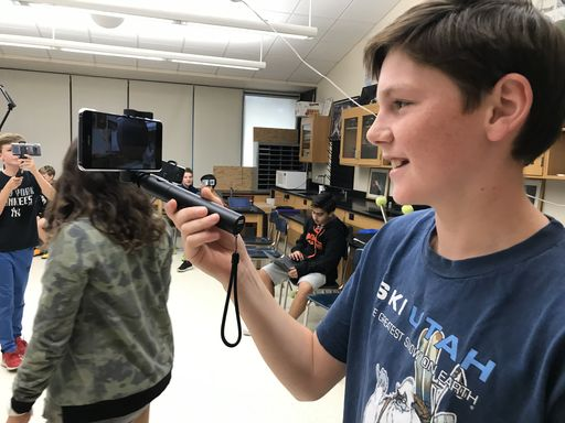 Hommocks Students Test New Augmented Reality Technology