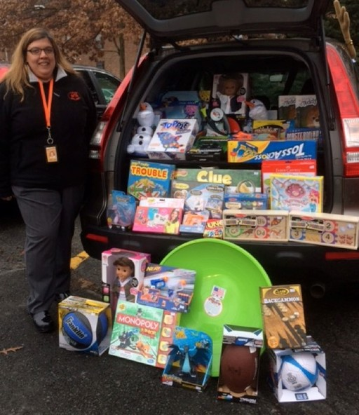Mamaroneck Teachers Association Organizes Holiday Toy Drive
